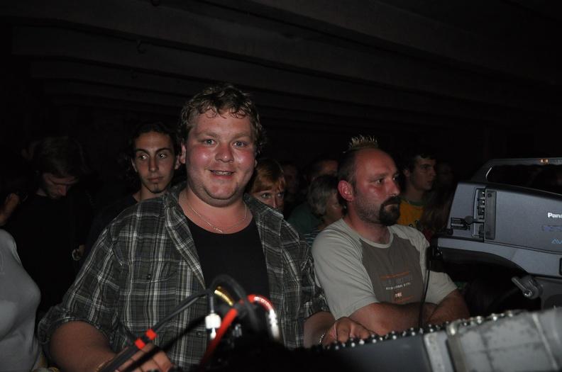 DSC 2004